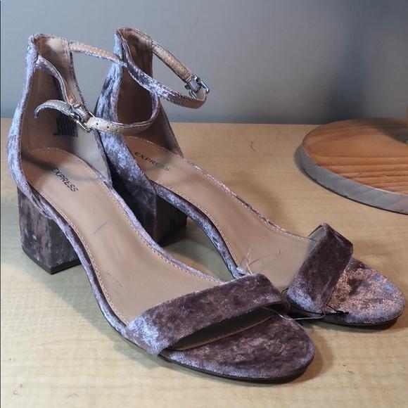 fda7436b125 NEW Express blush velvet chunky heel sandal shoe NWT